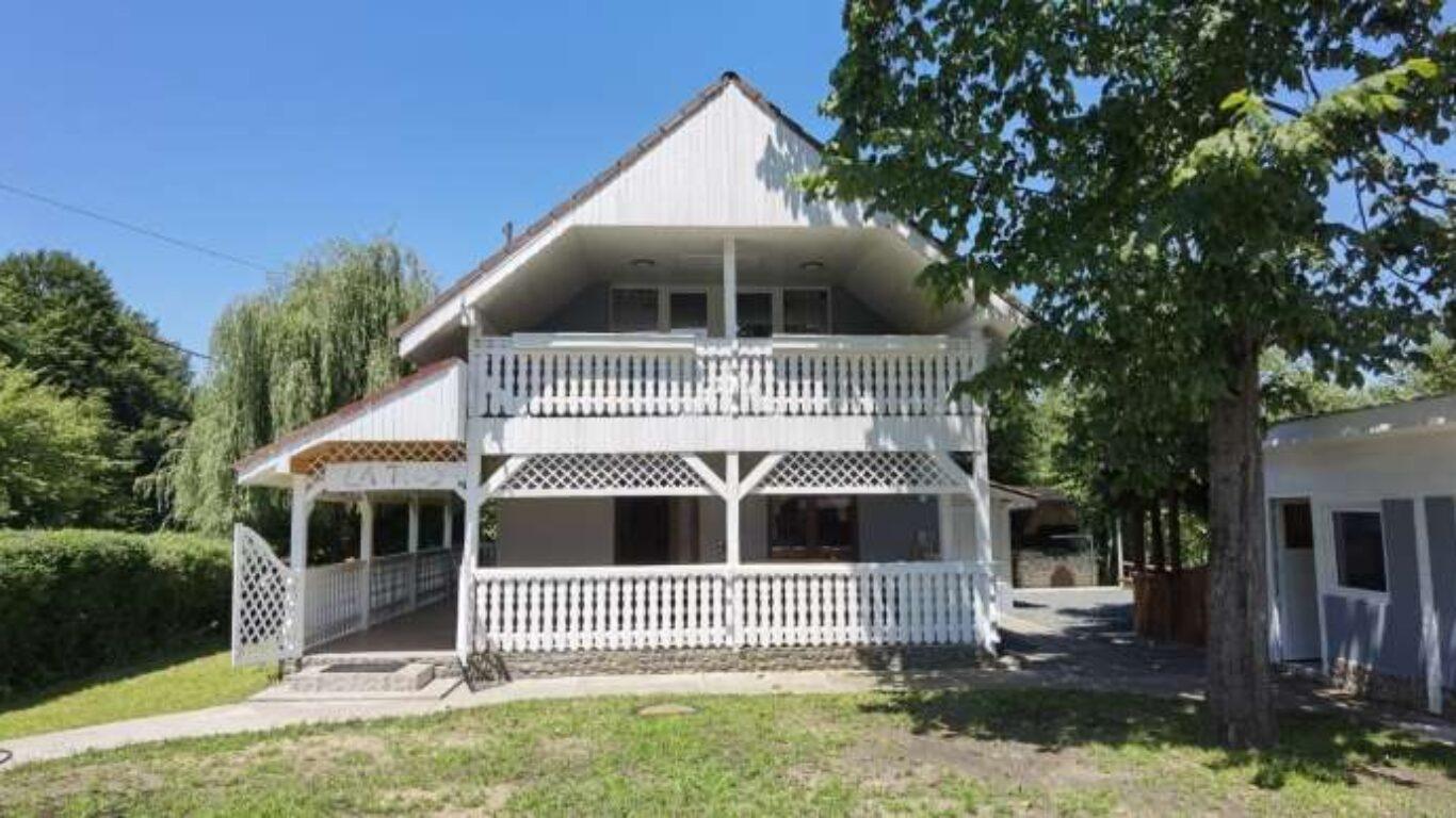 Facilitate Exterior – Cabana la Tiby – Cazare Transfagarasan