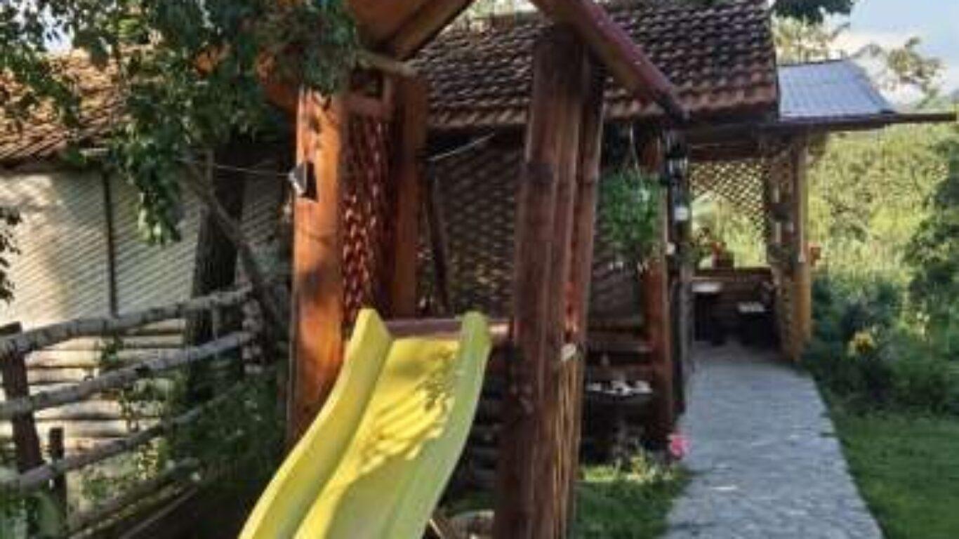 Facilitate – Loc de joaca – La Stejarel