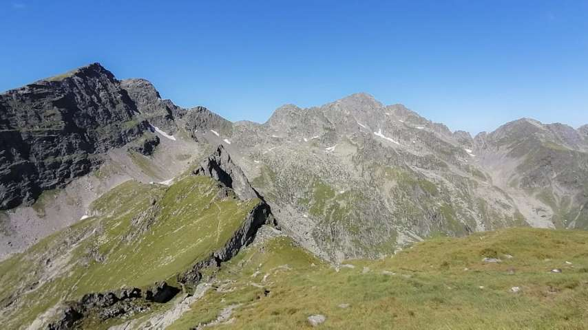 Varful Negoiu – Hiking Transfagarasan Romania
