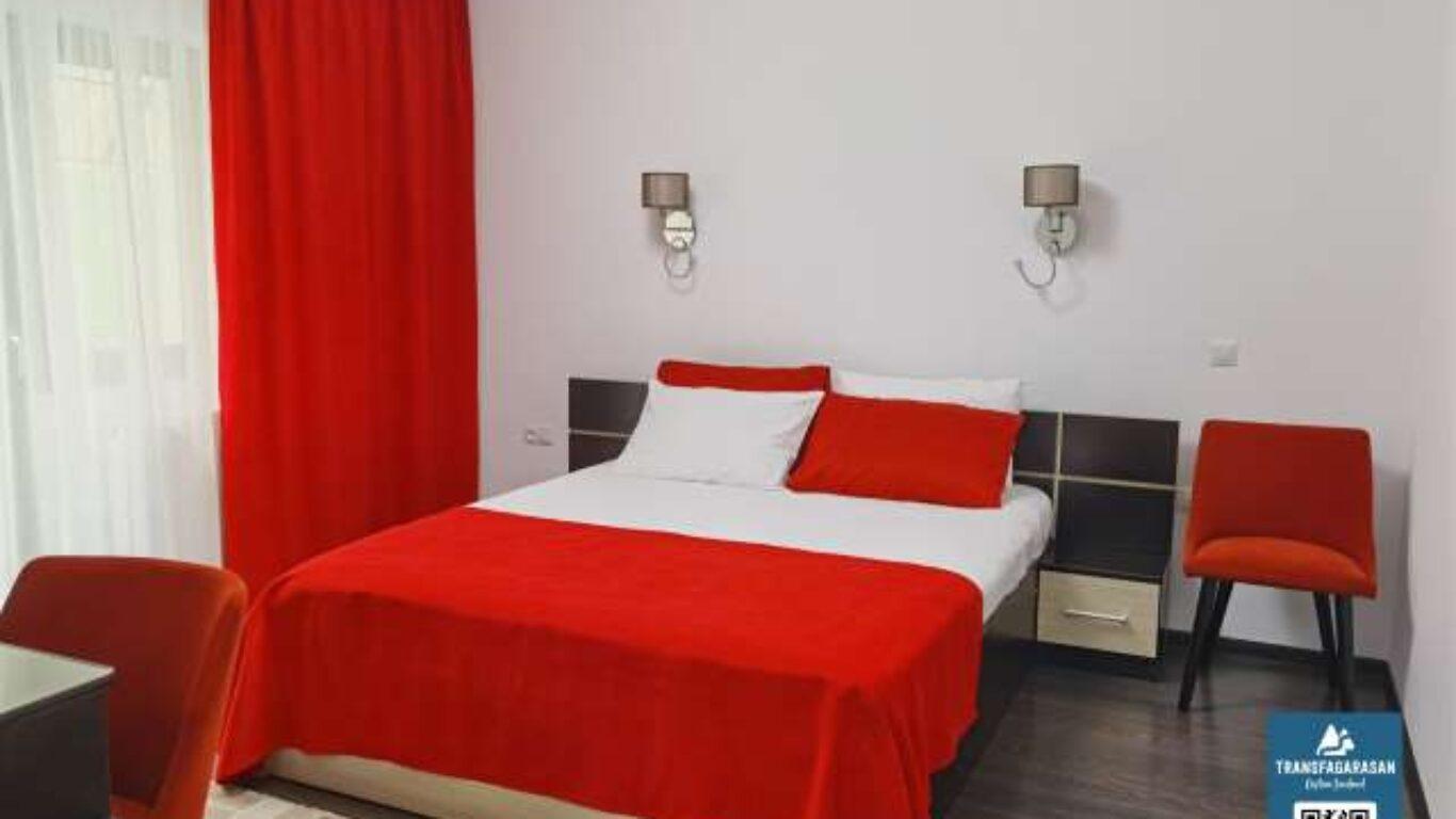 Camera Double 104 Hotel Piscul Negru Transfagarasan Romania