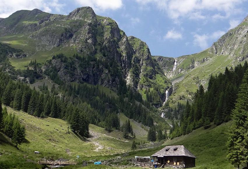 Traseu Vârful Moldoveanu prin Valea Rea (4 ore)