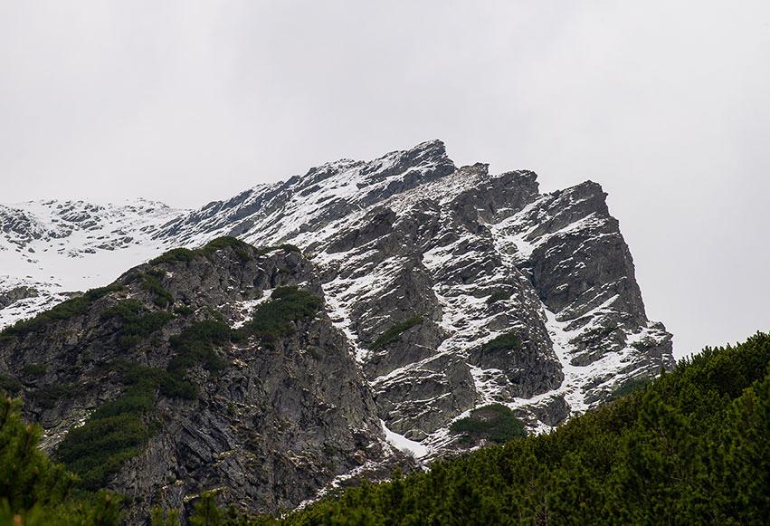 Vârful Lespezi (2522 m)