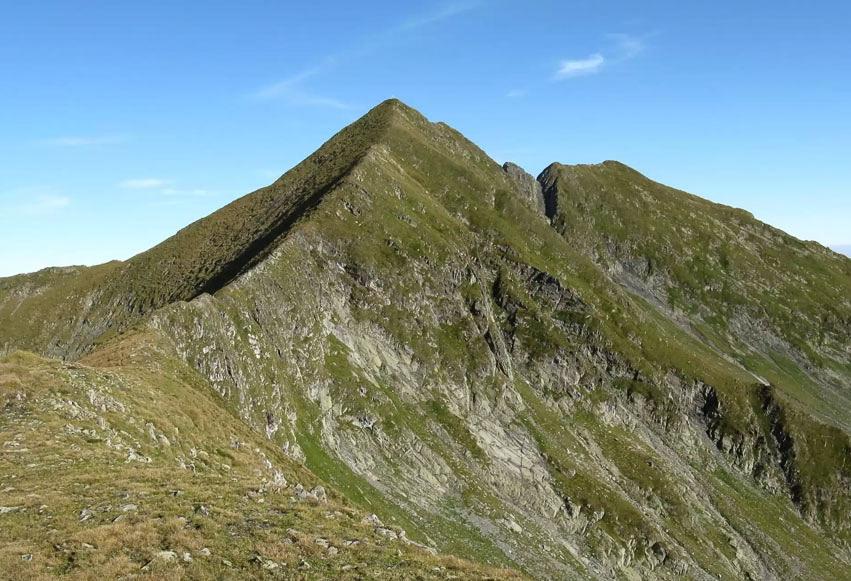 Vârful Moldoveanu (2544 m)